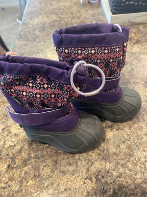 Girls snow boots sz 7 for Sale in Fort McDowell, AZ