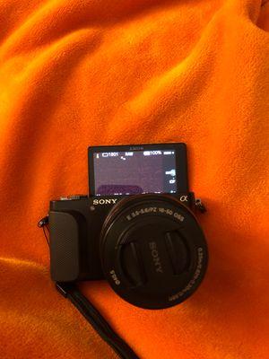 Sony vlogging camera for Sale in Santa Ana, CA