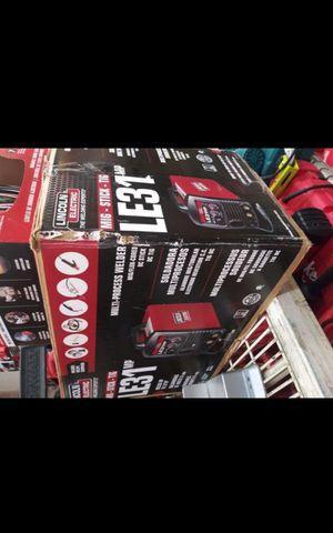 LINCOLN ELECTRIC LE31 WELDER OPEN BOX for Sale in San Bernardino, CA
