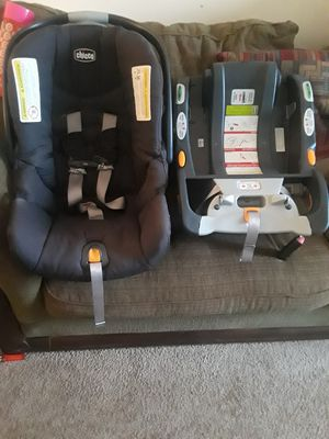 Car seat and base for Sale in Richmond, VA