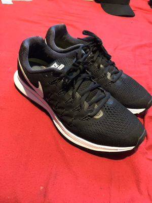 Nike running shoes size 9.5 for Sale in Commerce, CA