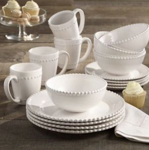 "American Atelier White Dinnerware Set 16pc- ""New "" (FIRM PRICE) for Sale in Los Angeles, CA"