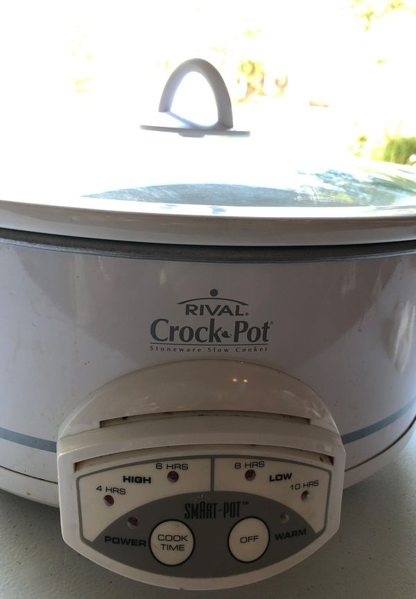 Rival crock pot with cover