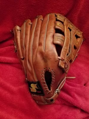 "SSK 14"" SOFTBALL BASEBALL GLOVE for Sale in Upland, CA"