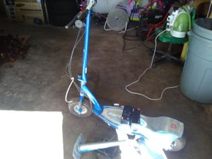 Razor scooter for Sale in Grafton, WV