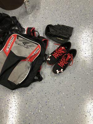 Baseball or Softball Gear Bag Glove Mitt Mit for Sale in Kirkland, WA