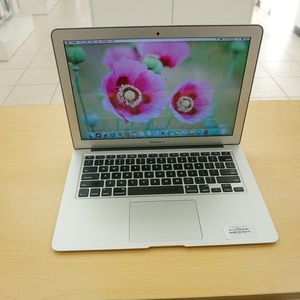 "MacBook Air 13"" - I7 3.3 Ghz - 256 Gb SSD - 8 Gb Memory - 1 Year Warranty for Sale in Fort Lauderdale, FL"