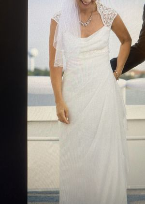 Beautiful Wedding Dress & Veil for Sale in Valparaiso, FL