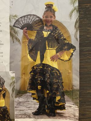 Flamenco dancer girls Halloween costume size 8/9 for Sale in Mesquite, TX