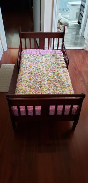 Maple Wood Toddler Bed for Sale in Margate, FL
