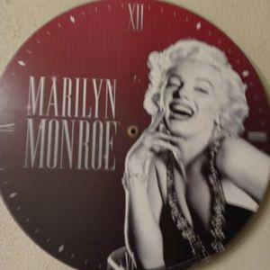 MARILYN MONROE Hangings for Sale in Fontana, CA