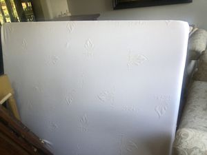 Full size Memory foam mattress and box spring for Sale in Aurora, CO