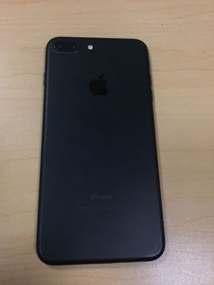 iPhone 7 Plus 32gb UNLOCKED with 6 months warranty for Sale in Boston, MA