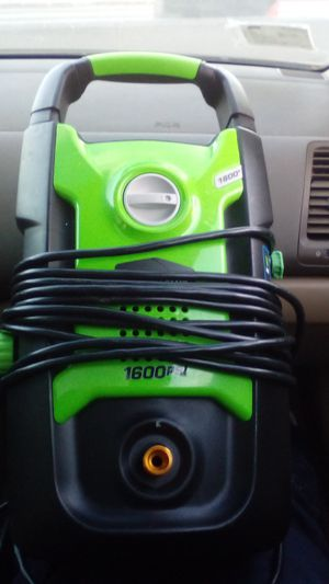 Greenworks pressure washer 1600 still in good condition have to buy hoses yourself for Sale in Los Angeles, CA