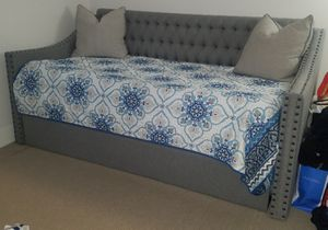 Twin trundle daybed (2 beds) for Sale in Washington, DC