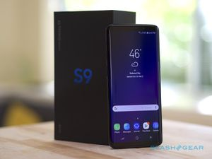 ATT Samsung Galaxy S9 comes with in the box for Sale in Fresno, CA