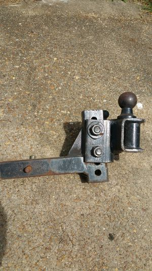 """HITCH DROP DOWN HEAVY DUTY WITH BALL, (BALL LARGER THAN A 2"""", not sure of size) BOATS & MARINA, RV CAMPERS, TRAILER for Sale in Hampton, VA"""