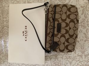 Coach Wristlet for Sale in Parma, OH