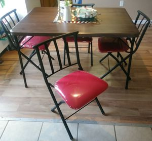 Dining room table set with 4 chairs for Sale in Haines City, FL
