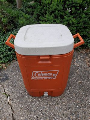Coleman 10 gallon drink cooler for Sale in Beverly Hills, MI