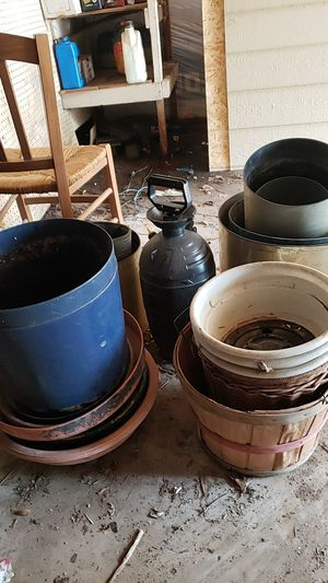 Plant Pots, make me an offer, will do bundles for Sale in Houston, TX