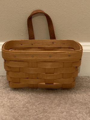 Small Longaberger Basket for Sale in Vienna, VA