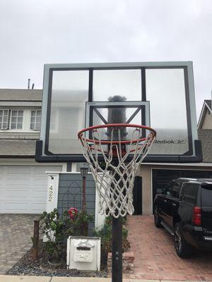 Basketball hoop for Sale in Newport Beach, CA