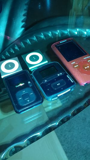 Mp3's and earbud for Sale in Vancouver, WA