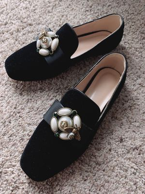 Gucci womon shoes size 7 for Sale in Moreno Valley, CA