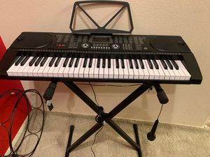 Hamzer 61-key Electronic Music keyboard with stand & microphone for Sale in Los Angeles, CA