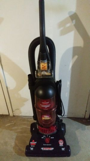 Vacuum Bissell for Sale in St. Louis, MO