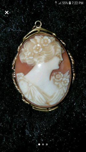Vintage 12k gold filled craved shell pendant/locket for Sale in Tacoma, WA