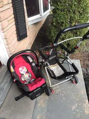 Car seat and snap n go stroller for Sale in Silver Spring, MD