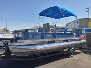 88 Buggy Bass Sun Tracer 2 stroke 10 passenge clean title for Sale in North Las Vegas, NV
