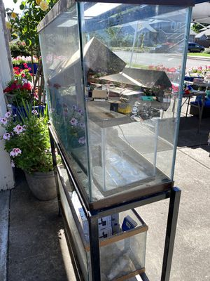 40 gallons aquarium with stand and extra aquarium on the bottom. for Sale in Gresham, OR