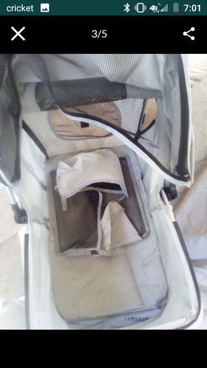 Dog stroller no rips jus lil dirty wheels good for Sale in Phoenix, AZ