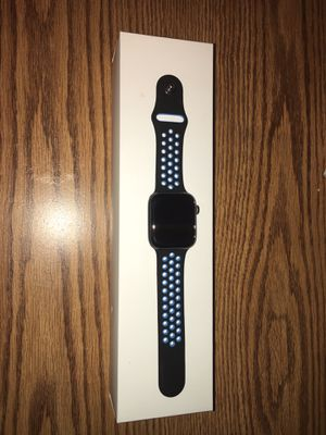 Apple Watch Series 4 GPS, 44mm Space Grey Aluminum Case for Sale in Wichita, KS
