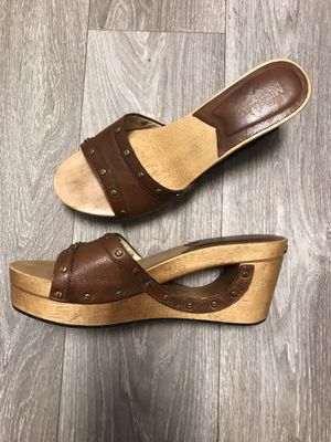 Michael KORS wooden wedge sandal 👡 9 1/2 for Sale in Corona, CA