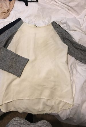 Women's blouse size M for Sale in Columbus, OH