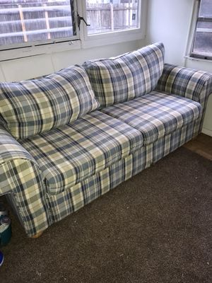Green and blue fabric couch for Sale in Lake Wales, FL
