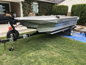 1974 Beyer Catapond Aluminum Boat Project w/ 50hp Suzuki for Sale in La Habra Heights, CA