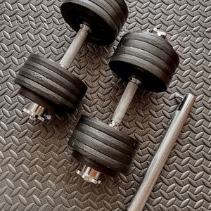 Brand new in box 105 lb (52.5x2) pair adjustable dumbbells with bar barbell attachment (not negotiable) for Sale in Chula Vista, CA