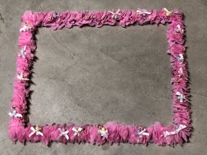 Baby shower frame photo booth prop for Sale in Plainfield, IL