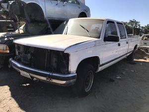 1998 Chevrolet Silverado truck parts OBS for Sale in Modesto, CA