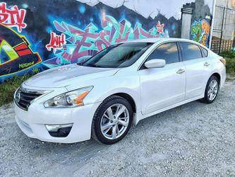 2014 Nissan Altima SV 130k $6500 for Sale in Miami,  FL