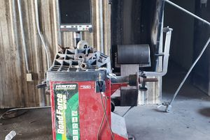 Digital Tire Balance Machine for Sale in Edna, TX