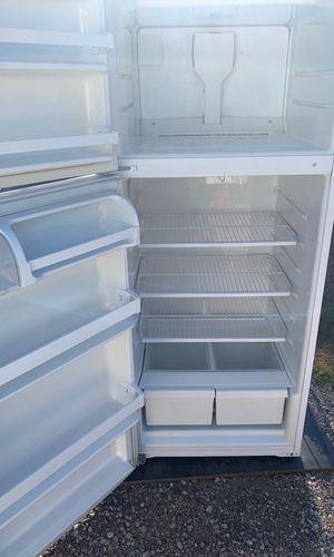 Whirlpool refrigerator for Sale in Albuquerque, NM