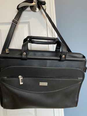 US Luggage briefcase attaché bag for Sale in Prospect, CT