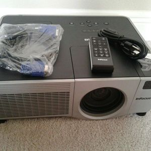 InFocus IN42 Projector XGA Large Venue Projector ~ 3500 LUMENS VERY BRIGHT WITH REMOTE for Sale in Carrollton, TX