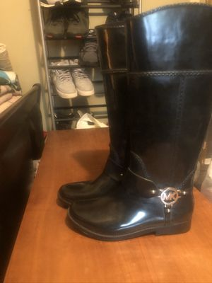 Micheal Kors rain boots size 8 for Sale in Lincoln, RI